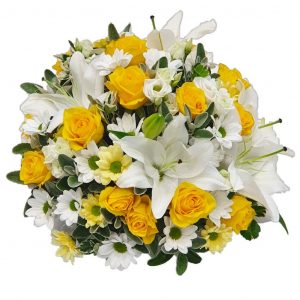 Golden Rose Posy – A Lovely selection of Yellow Roses with White Lillies & Mixed Chrysanthemum arranged in mixed foliage.